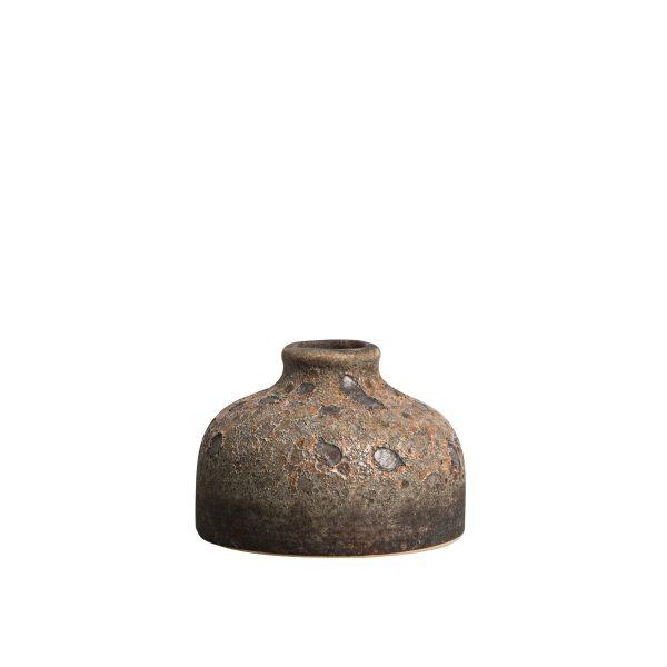 RUSTIC VAS | Karaktärsfull vas i porslin | Vasen är 7 cm hög, 10 cm bred